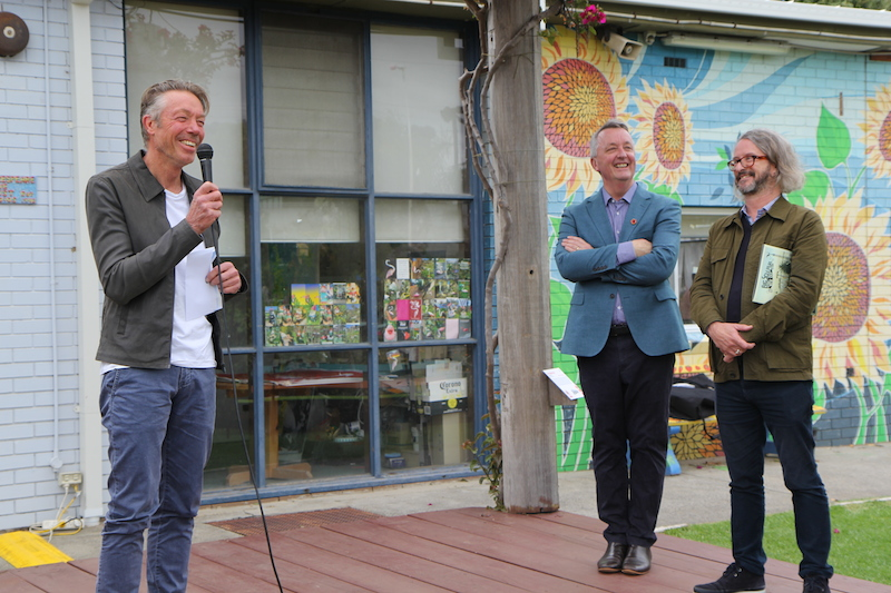 Grand BIG Sculpture winner Mark Stoner with Martin Foley and Max Delany © Pation Pics_1625